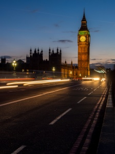 Elizabeth Tower (Big Ben) seen from Westminster Bridge. Made with an Olympus OMD-EM5 + 12-50mm lens, 2sec, ƒ13, ISO200, 28mm